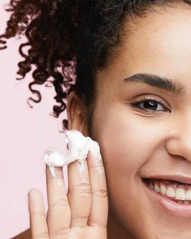 Diadermine Essentiel Bio Soothing Silky Foam Αφρός Καθαρισμού Προσώπου 150ml -