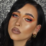 Cozy vibes και αγαπημένα φθινοπωρινά μακιγιάζ 🧡🧡🧡 Check out this #beauty 💁🏻♀️ @stayroylaaa