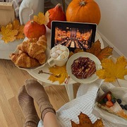 Let's Fall 🍁  Happy Sunday #sisbeauties 🧡 #sundaysmood  📷 @aymorr