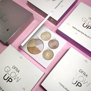 Η #bestseller παλέτα #highlighter από @ofracosmetics 💥 BACK IN STOCK 💥 shop ONLINE 🛍️ www.sis-style.gr . . . #sis_beauty #sis_style #sis_love #ofracosmetics #ofra #ofrahighlighter