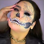 Trick or Treat 💀 #halloweenmakeup by @_marinasmakeup_  . . . #sis_beauty #sis_style #sisstylegr